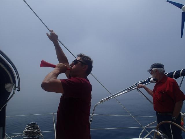 Nebel im Alboran Meer - Ausguck und Schallsignale