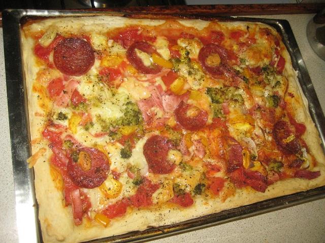 die 1. Pizza auf der Habib