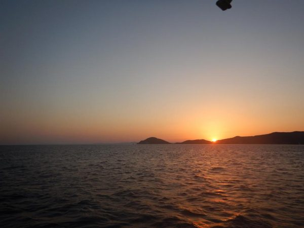 Start zum Sonnenaufgang von Elba nach Korsika, 35 sm liegen vor uns