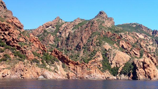 Die Felsküste von Korsika