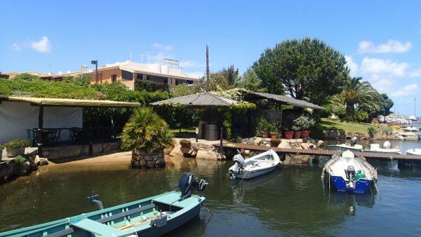 Sympathischer kleiner Yachtclub in Sardinien
