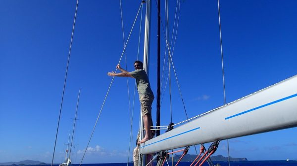 """In der Karibik ist oft """"Augapfelnavigation"""" notwendig – nur so können die Untiefen rechtzeitig erkannt werden"""