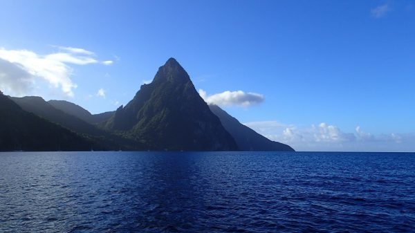 Die Wahrzeichen von St. Lucia, die berühmten Pitons