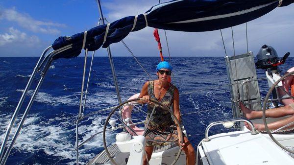 Tolles Schrägsegeln in der Karibik bei besten Bedingungen