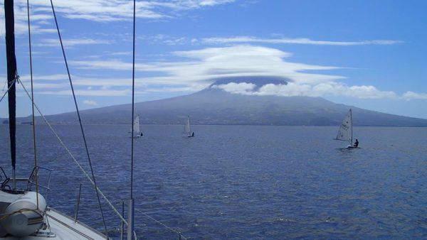 Nach 2 Wochen verlassen wir Horta und starten unseren Azorentörn