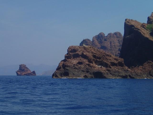 tolle Felslandschaft bei Korsika