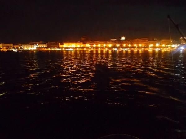 Syrakus bei Nacht, von unserem Ankerplatz aus