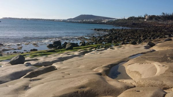 Blick auf Lanzarote von La Graciosa aus