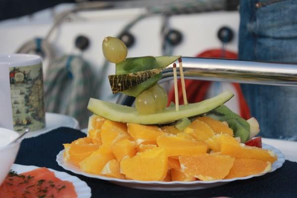 Kreativität beim Obsttellerschnitzen