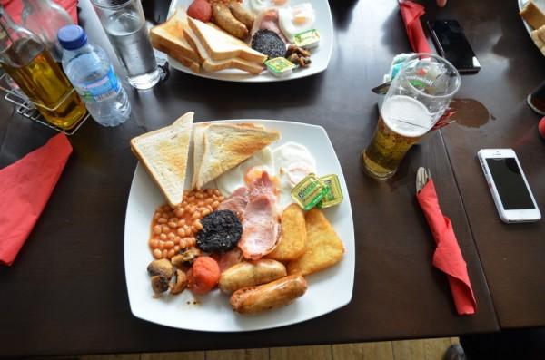 Ein Muss: English Breakfast auf Gibraltar