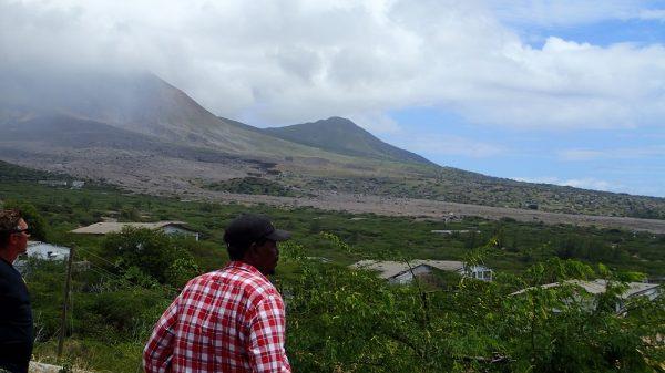 Ausflug auf Montserrat. Unser Fahrer Moose blickt auf seine zerstörte Hauptstadt Plymouth…