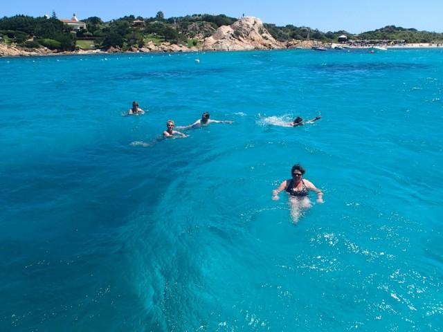 Tolle Badebuchten bei Sardinien