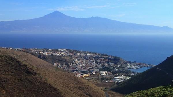 Blick auf den Teide von Gomera aus