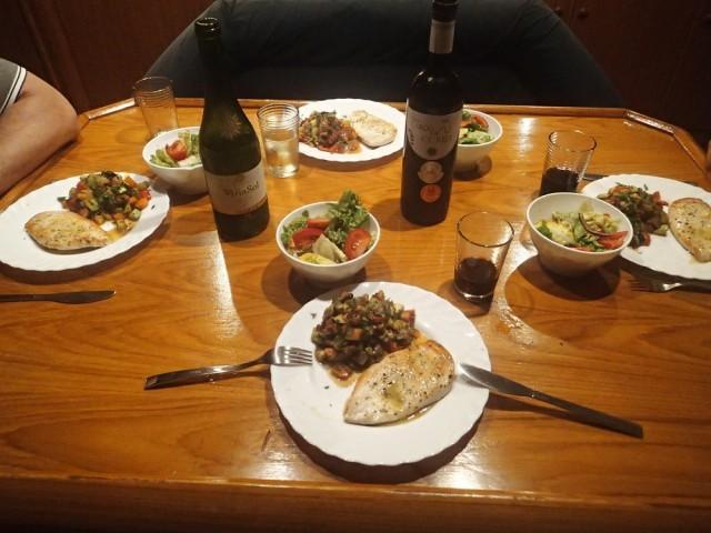 lecker Abendessen aus der Bordküche