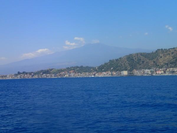 Wir verabschieden uns vom Etna und segeln Richtung Messina