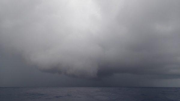 Der nächste Regenschauer droht, zwischenzeitlich sah es nach Windhose aus