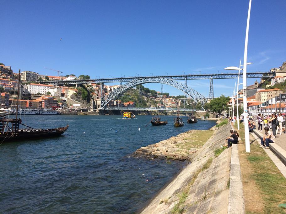 Porto, mit seiner wundervollen Altstadt und beeindruckenden Brücken über den Douro, begeistert uns immer wieder