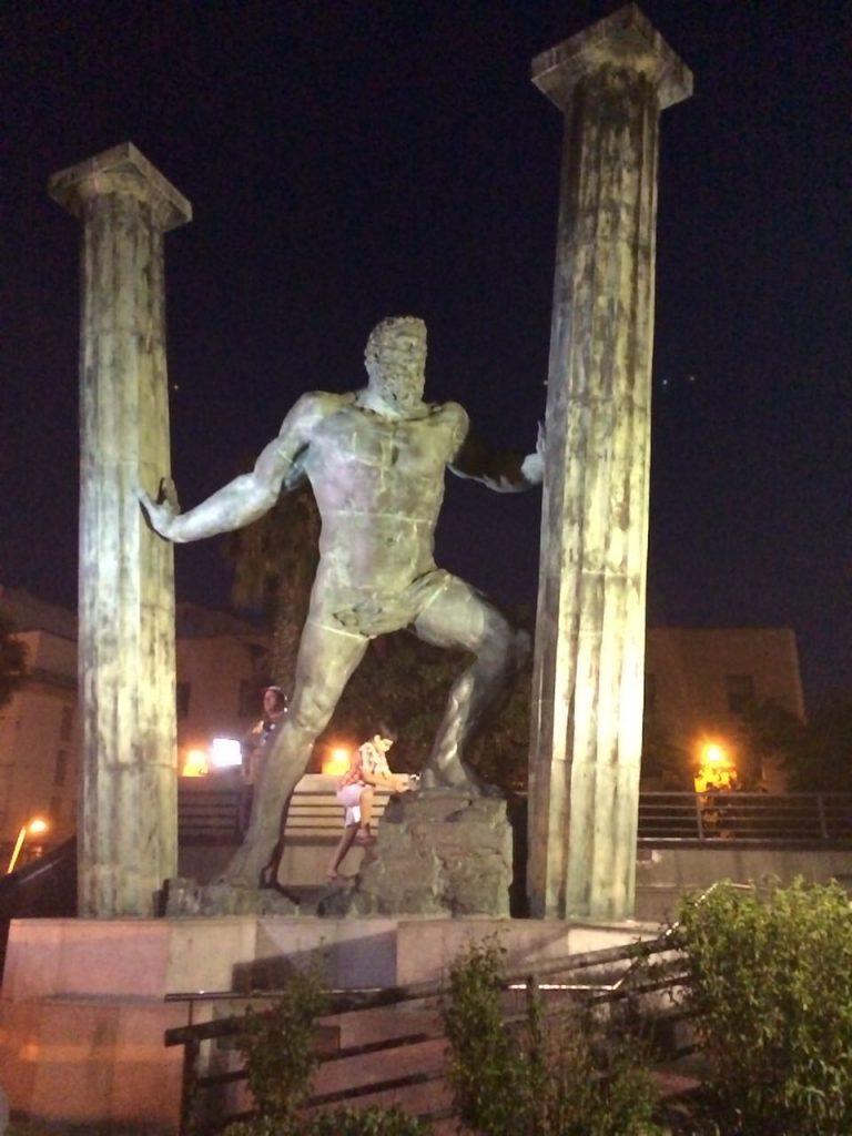Die Herkules Marina in Ceuta, der spanischen Enklave auf dem afrikanischen Kontinent