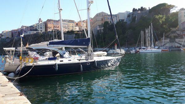 Die Habib vor wundervoller Kulisse des alten Stadthafens von Bastia