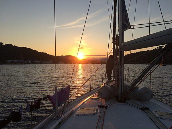 Sonnenuntergang in einer der zahllosen Buchten Elbas