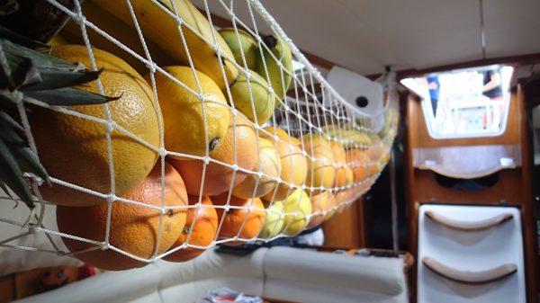 Obst und Gemüse werden je nach Art der Reifung und Sorte getrennt aufbewahrt