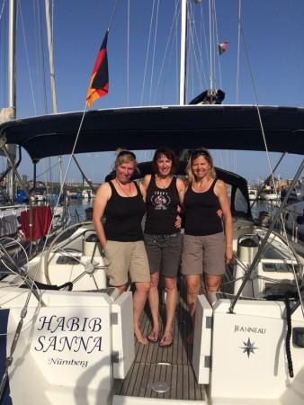 Anke, Karin, Monika und die Habib sind gut in Catania angekommen