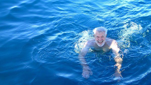 Erfrischendes Bad im Atlantik