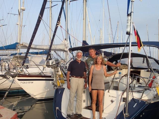 die Crew der Rückfahrt von den Azoren ins Mittelmeer - aus gegebenen Anlass nur mit Maschine