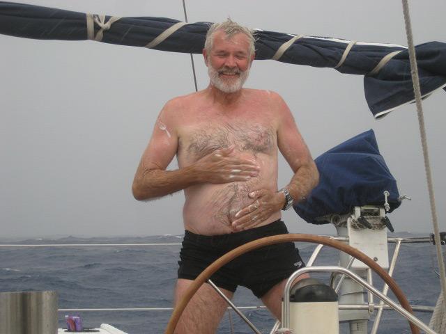 Duschen an Deck bei Starkregen