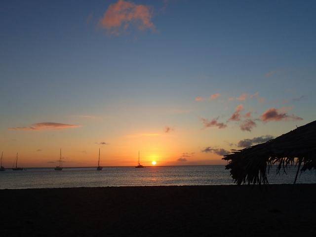 Sonnenuntergang-in-der-Karibik …
