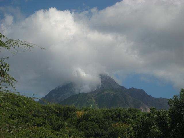 der immer noch sehr aktive Vulkan auf Montserrat