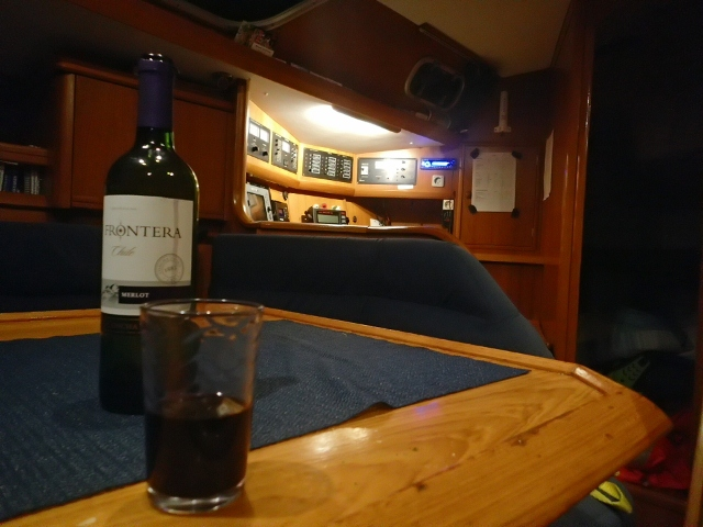 ein-gemütlicher-Abend-an-Bord
