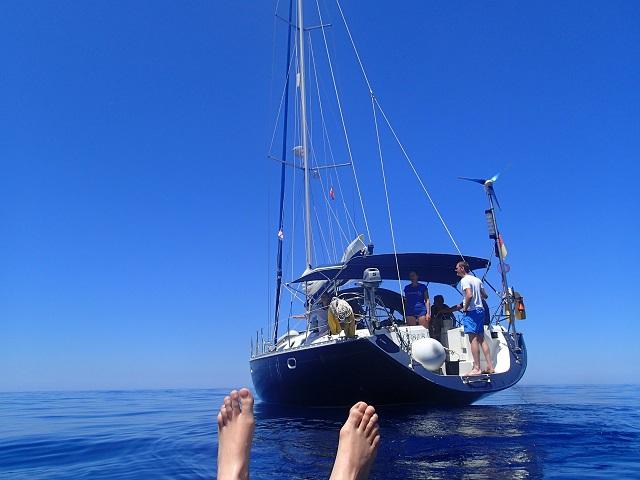 Barfuss Segelreisen aus der Luftmatratzenperspektive