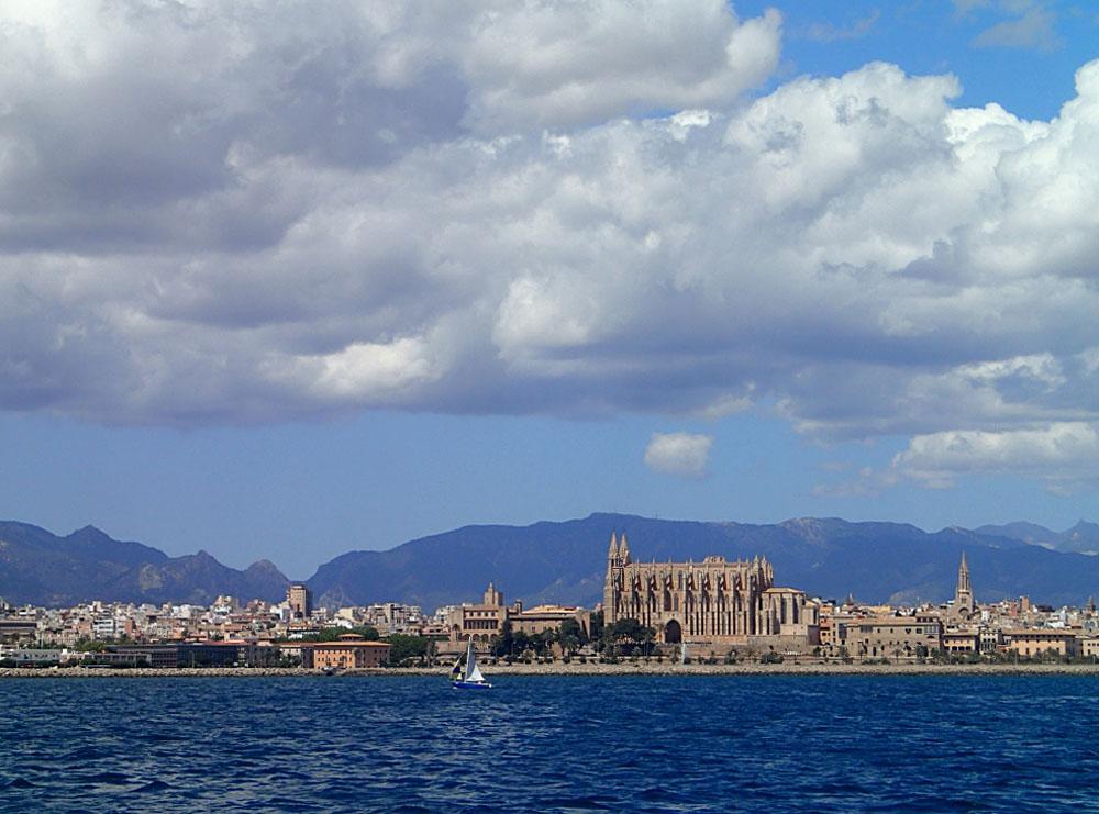 Ansteuerung Palma de Mallorca mit der wundervollen Kathedrale