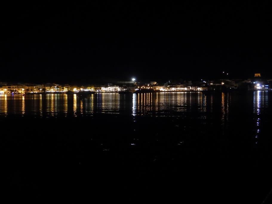 Wir liegen mit der Habib in Mahon, Menorcas Hauptstadt und zweitgrößter! Naturhafen der Welt