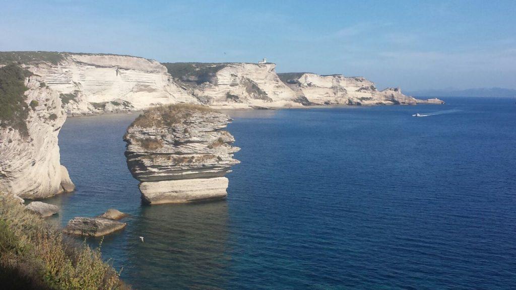 Ansteuerung von Korsika nach Querung der Strasse von Bonifacio