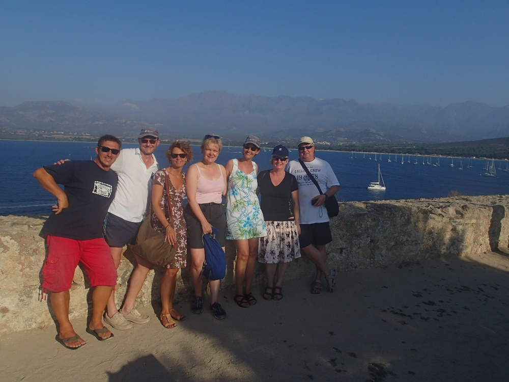 die Crew beim Landausflug in Calvi
