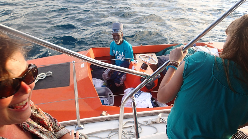 Sydney, den T-Shirt Verkäufer in den Tobago Cays, kennt Jörg schon seit zwölf Jahren