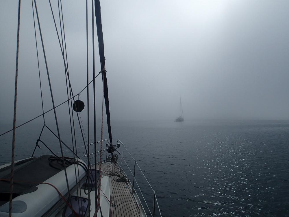 Nebel umgibt uns – das Radar ist an und wir geben Schallsignale