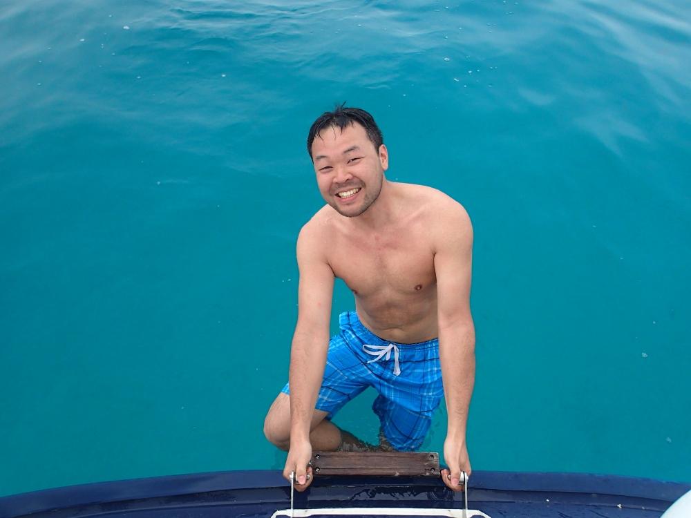 Erfrischendes Bad im Atlantischen Ozean