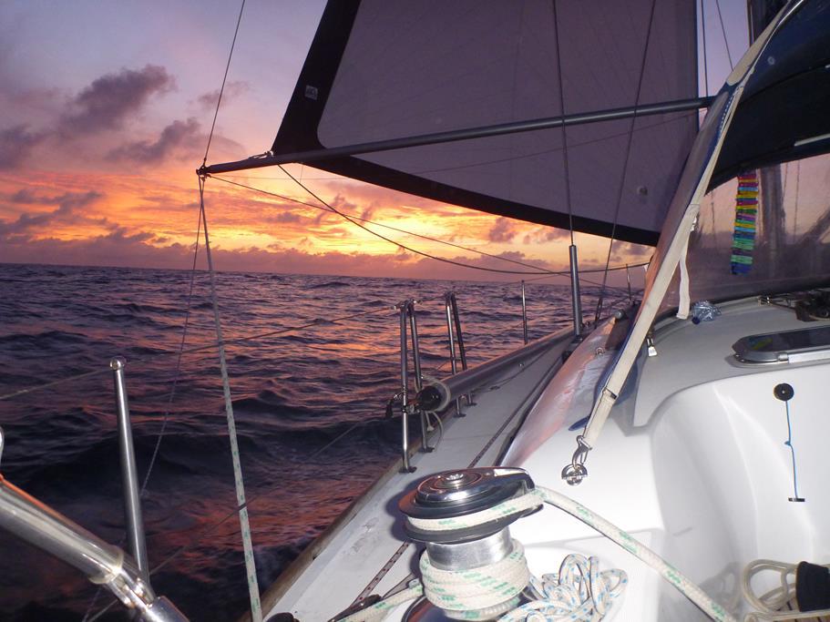 Wir segeln in den Morgenhimmel