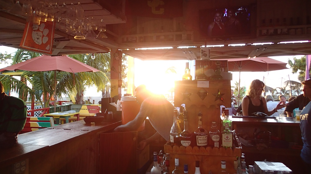 Die Sunshine Bar macht ihrem Namen alle Ehre