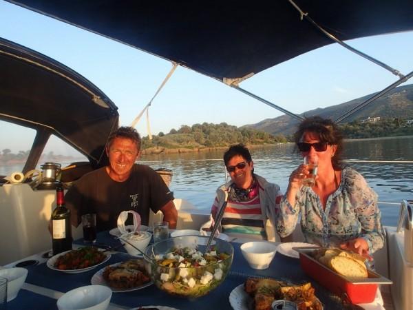 Lecker Abendessen in der Bucht