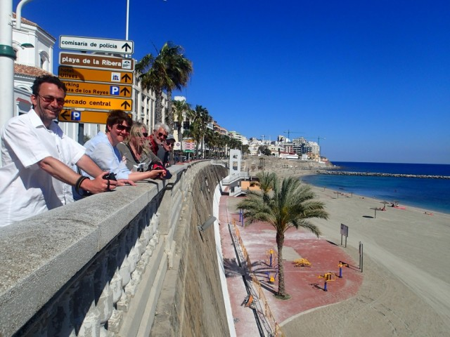 Die Crew vorm Stadtstrand von Ceuta