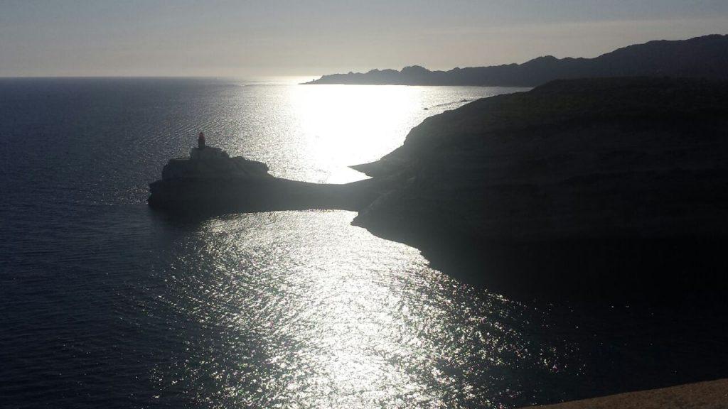 Der Blick von Bonifacio auf die Bucht ist umwerfend
