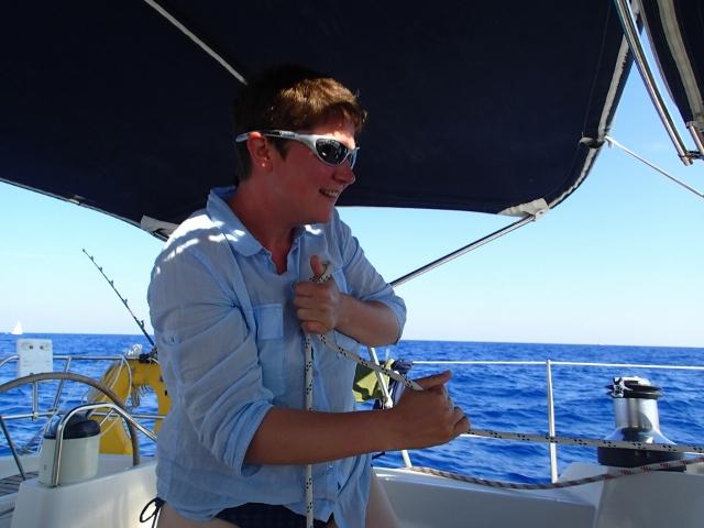 Action beim Segeln - Uli an der Winsch