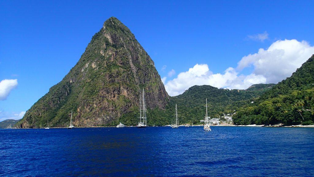 und liegen vor der tollen Kulisse der Pitons/St.Lucia