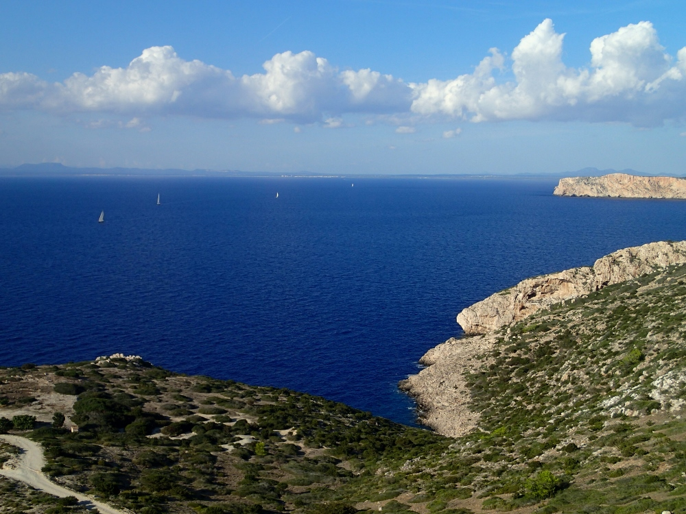 Die Balearische See - im Hintergrund Mallorca
