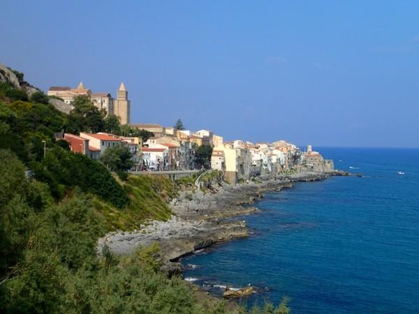 Das hübsche Städtchen Cefalu auf Sizilien