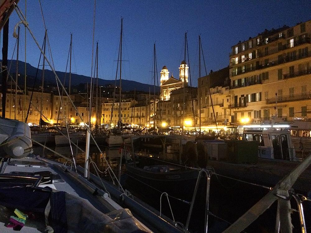Wir liegen in Bastia – die Kulisse in dem alten Stadthafen ist wie immer wundervoll